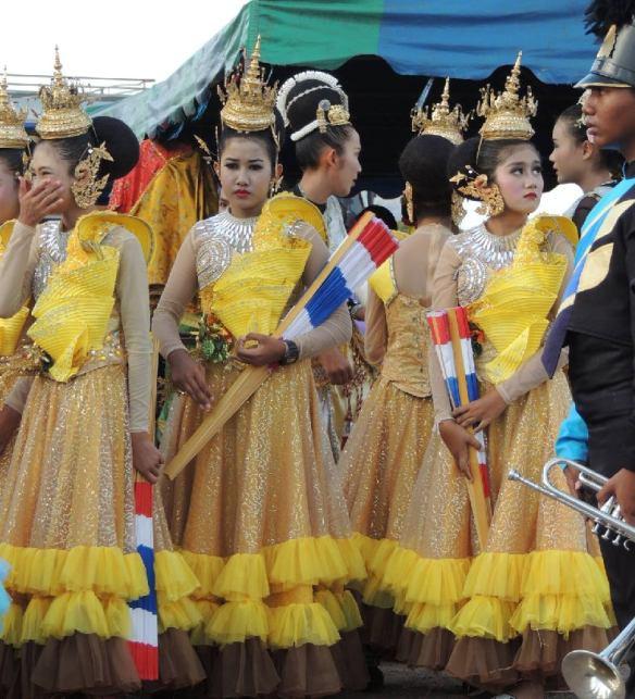 Girls yellow